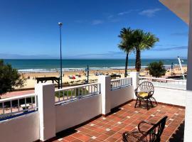 호텔 사진: Fantástico Chalet a pie de playa