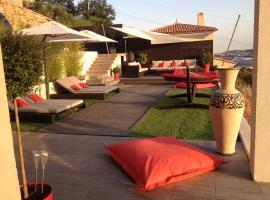 A picture of the hotel: Beautiful contemporary villa in quiet area