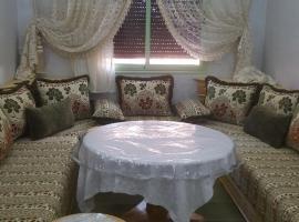 รูปภาพของโรงแรม: bassatine guiliz Hay Mabrouka. Appartement