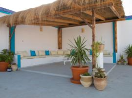 Hotel Photo: Spacieux appartement avec toit terrasse aménagé_Sousse
