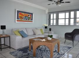 Fotos de Hotel: Water Front VIP Condo with Central Air and Parking