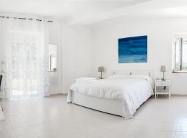 Hotel photo: New Sunset sea-view apartments with gardens