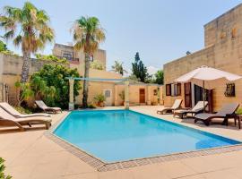 Hotel photo: Superlative 4 Bedroom Villa with Private Pool