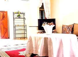 รูปภาพของโรงแรม: Rez de chaussée Villa Annakhil 3609 - [#121276]