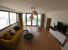 Hotel photo: Penthouse/rooftop - heart of Marsa Plage / beach