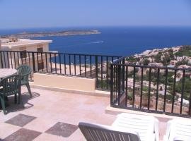 Hotel photo: Two bedroom penthouse sea and valley views `D`