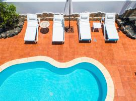 Hotel photo: Corralejo Holiday White Villa with pool and 500m to sea