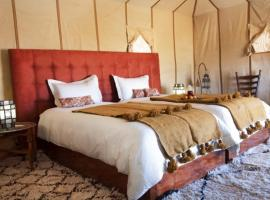 Hotel photo: Maroc Sahara Luxury Camp & Tours