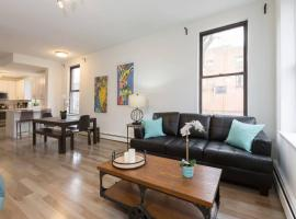 Hotel Foto: Dreamy 3 BR/2 BA Apartment- 15 mins to NYC!