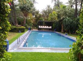 Hotel photo: Superbe villa style marocain traditionnel palmeraie