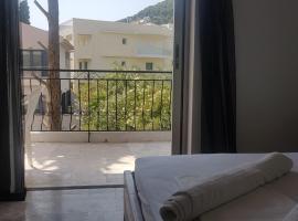 Hotel photo: thanos house askeli poros (room8)