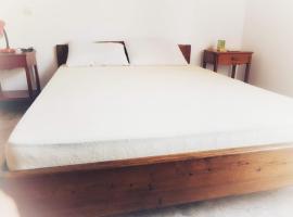 Hotel photo: thanos house askeli poros (room 12)