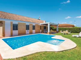Hotel photo: Five-Bedroom Holiday Home in Carmona