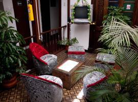 Hotel photo: Swiss Hostal Martinik