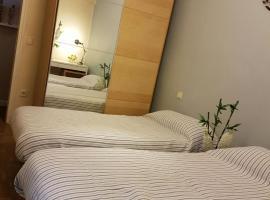 酒店照片: Habitacion con cama doble
