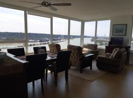 Hotel foto: RIverfront Condo at the New West Quay
