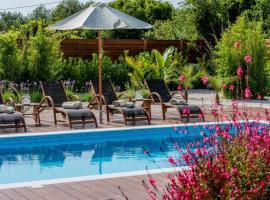 מלון צילום: Lucia's Secret Garden