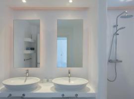 Hotel photo: ARTE Elegantly Designed Villa Mikonou