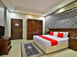 Hotel photo: Capital O 162 Brzeen Hotel