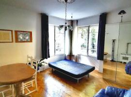 Hotel Photo: Romantic studio flat in the Buda hills