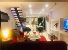 Hotel Foto: Loft with Jacuzzi,Italian Furniture & wide view on Tunisia Mall