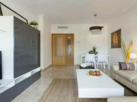Hotel photo: Gorgeous Apartment with a Pool (Parking Free)