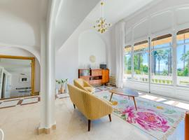 Hotel photo: STYLISH APARTEMENT IN HISTORICAL RESIDENCE