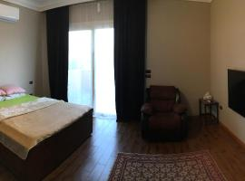 Hotel photo: PVT BR + Breakfast,AC,King Bed,4KTV (Females Only)