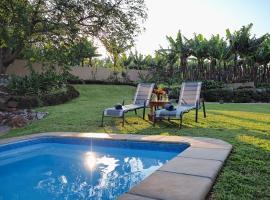 Hotel photo: Poinsettia family Cottage