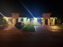 होटल की एक तस्वीर: Kozy Bahamas Getaway
