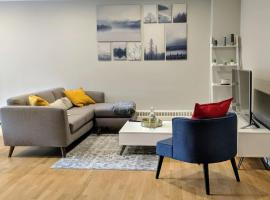 Hotel photo: Vibrant Luxury Getaway Heart of DT W/Free Parking