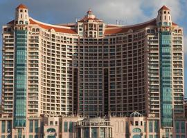 Hotel photo: Luxury apartment at San Stefano towers