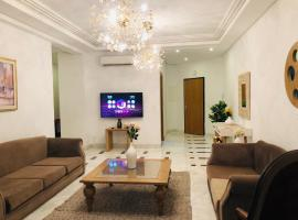 Hotel Foto: Double Suites, jacuzzi & view on Tunisia Mall & Canadian Embassy