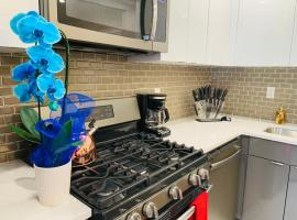 Hotel photo: NEWLY RENOVATED LUXURY HIDDEN GEM 14 MIN TO NYC SLEEPS 7