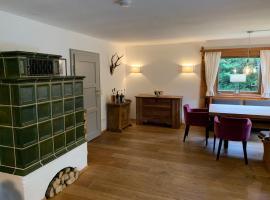 Hotel photo: Traumhaftes Ferienhaus direkt am Tegernsee