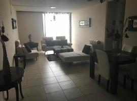 Fotos de Hotel: Modern apartment 25 minutes from airport