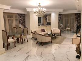 Hotel photo: New Stunning 3 Bedroom apartment in Baku