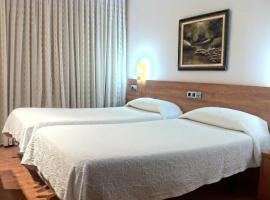 Hotel photo: Hostal Del Carmen