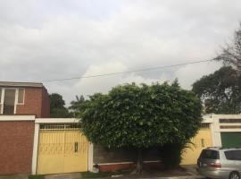 Hotel photo: Casa entera zona 11