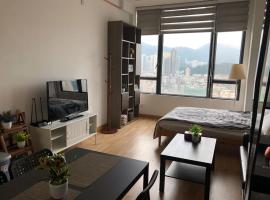 Hotel Photo: Deluxe Duplex Loft near Mongkok