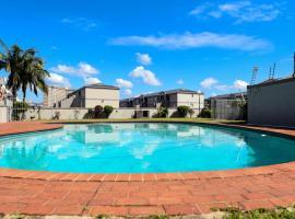 Hotel photo: KADESE Holiday North Beach Durban