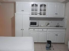 מלון צילום: Haven House Studio Apartment #3