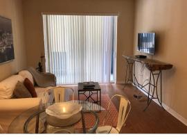 Hotel photo: cozy modern apartment