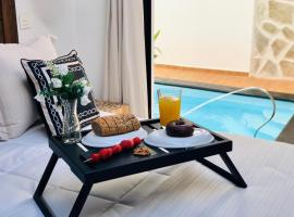 Hotel photo: Nazaret suite apartment with heated private pool