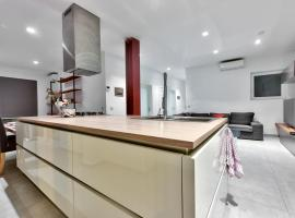 Hotel photo: Sliema 3 Double Bedroom Apartment with King Size Ensuite + ACs