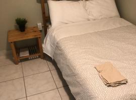 Hotel photo: Simple private room 5 min walk to Miami University