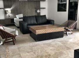 מלון צילום: 6) Master Suite with large dining room and full kitchen