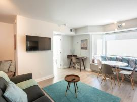 Hotel photo: Bright and Beautiful in the Heart of Yorkville