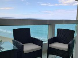 Hotel Photo: Isla Verde Luxury Ocean Front