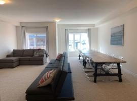 Hotel photo: Extravagant Brand New Town House